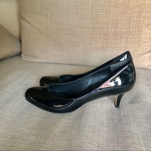 LIKE NEW Cole Haan Nike Air patent leather pumps!